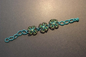 Bracelet - Blue and Gold Beads with Three Flowers
